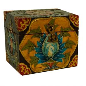 Tibetan Box Flower motifs (12.7 x 9.3 x 11 cm)