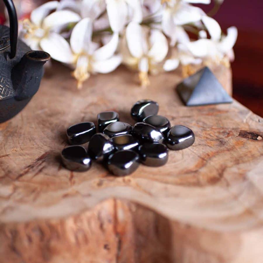 hematite tumbled stones tea pot